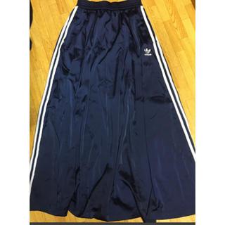 アディダス(adidas)のアディダス ロングスカート ネイビー Mサイズ(ロングスカート)