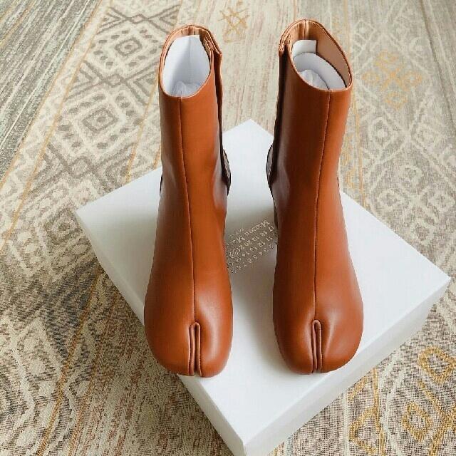 Maison Martin Margiela(マルタンマルジェラ)のMasion Margielaメゾン マルジェラ シルバー ブーツ足袋 レディースの靴/シューズ(バレエシューズ)の商品写真