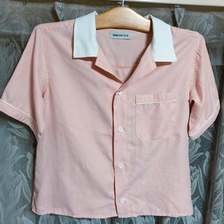 ウィゴー(WEGO)のWEGOヴィンテージ風ピンクシャツ(シャツ/ブラウス(半袖/袖なし))