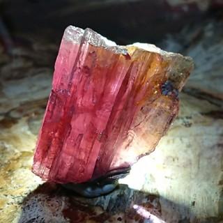 半額以下!秘蔵っ子♪ブラジル産ルベライト柱状結晶原石(置物)