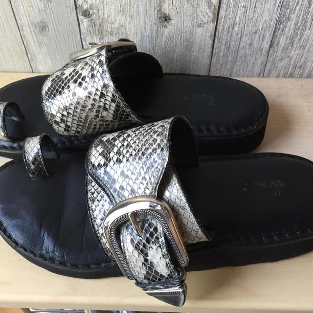 DEUXIEME CLASSE(ドゥーズィエムクラス)のカミナンド☆トングサンダル38ドゥーズィエムクラス レディースの靴/シューズ(サンダル)の商品写真