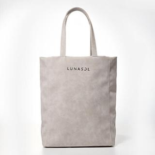 ルナソル(LUNASOL)のLUNASOL 2019AW ベースメイクアップキットバッグ(ノベルティグッズ)