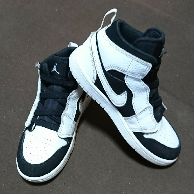 NIKE(ナイキ)の NIKE AIR JORDAN 1 MID ALT TD キッズ/ベビー/マタニティのキッズ靴/シューズ (15cm~)(スニーカー)の商品写真