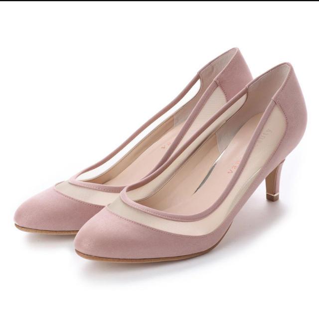 vanitybeauty(バニティービューティー)のVANITY BEAUTY 【柔らかソフトインソール】ラウンドチュールパンプス レディースの靴/シューズ(ハイヒール/パンプス)の商品写真
