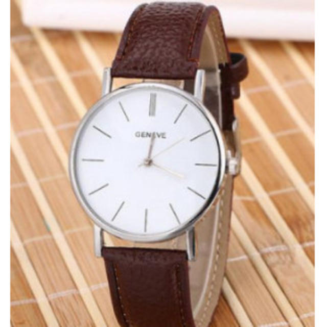GENEVE ヨーロピアンスタイル ファッション腕時計 ブラウンの通販 by スヌーピー's shop|ラクマ