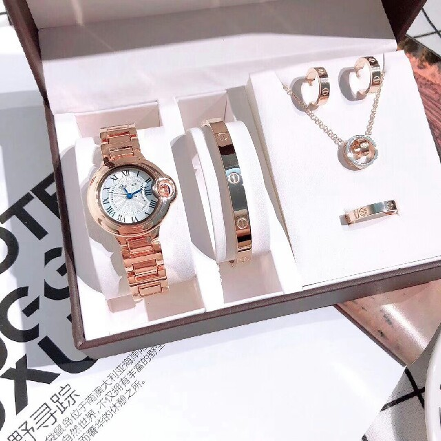 Cartier - 特売セール  カルティエ Cartier 腕時計 新品未使用  五枚セットの通販 by ナオミ's shop|カルティエならラクマ