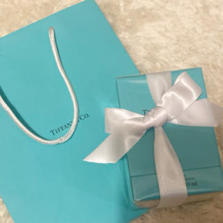 ティファニー(Tiffany & Co.)の【新品未開封・リボン・紙袋付き】ティファニー シアー オードトワレ 30ml (香水(女性用))