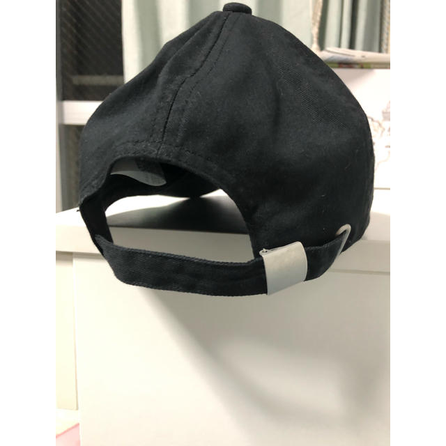 GU(ジーユー)のGU     黒キャップ帽   レディース レディースの帽子(キャップ)の商品写真