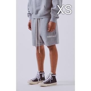 フィアオブゴッド(FEAR OF GOD)の希少XSサイズ FOG ESSENTIALS sweat shorts グレー(ショートパンツ)