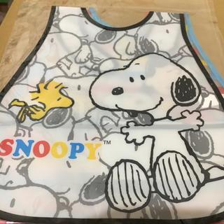 スヌーピー(SNOOPY)のスヌーピー  お食事エプロン ♡ブラック(お食事エプロン)