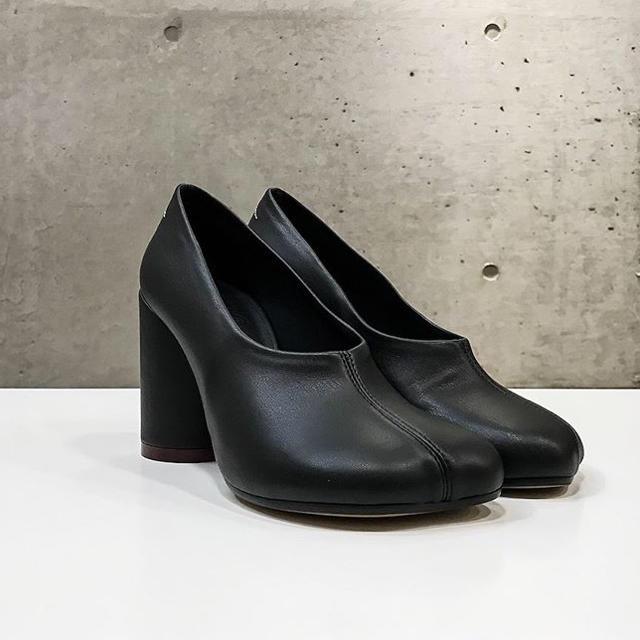 MM6(エムエムシックス)の⚠️傷確認ページ⚠️MM6 MaisonMargielaヒールスタンプパンプス レディースの靴/シューズ(ハイヒール/パンプス)の商品写真