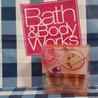 バスアンドボディーワークス(Bath & Body Works)の☆は☆な☆様専用 バスアンドボディワークス ウォールフラワー リフィル(アロマオイル)