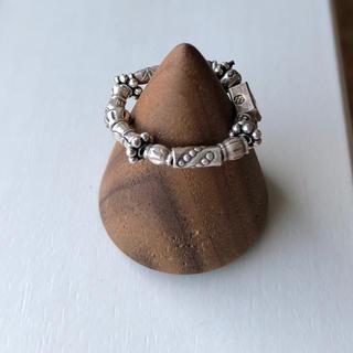 8種類のカレンシルバー ビーズを使ったピンキーリング(リング(指輪))