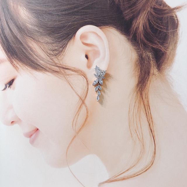 Vera Wang(ヴェラウォン)の【クリスタル ビジューピアス No.4】 ブライダル ウェディング レディースのアクセサリー(ピアス)の商品写真