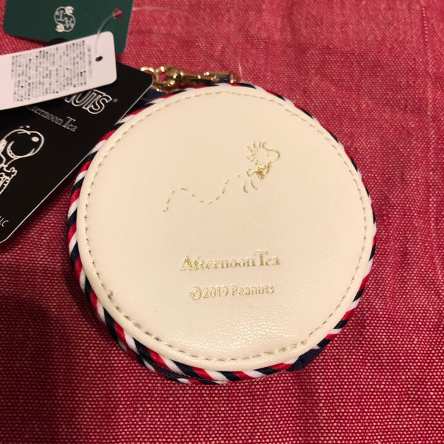 AfternoonTea(アフタヌーンティー)のアフタヌーンティスヌーピーコラボダイカットコインケース エンタメ/ホビーのおもちゃ/ぬいぐるみ(キャラクターグッズ)の商品写真