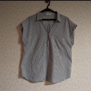 ジーユー(GU)のGUジーユートップス ブラウス シャツ ストライプ(シャツ/ブラウス(半袖/袖なし))