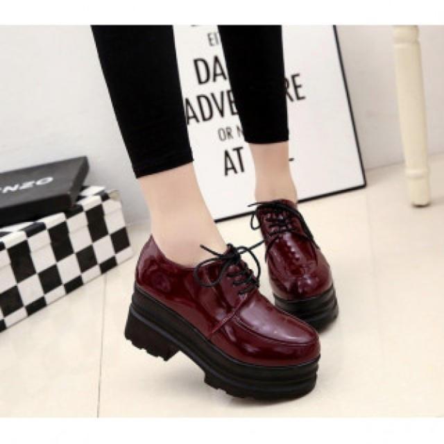 エナメル調 厚底 レディースブーツ ローファー 美脚 レースアップ ハイヒール レディースの靴/シューズ(ローファー/革靴)の商品写真