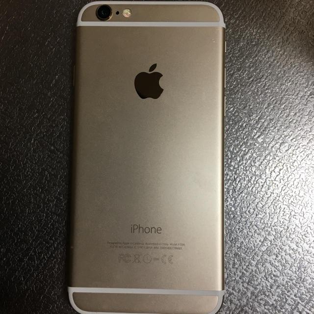 Apple(アップル)のiPhone 6 au 16G gold スマホ/家電/カメラのスマートフォン/携帯電話(スマートフォン本体)の商品写真