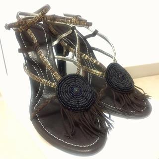 コスチュームナショナル(CoSTUME NATIONAL)の展示品8.3万☆CoSTUME NATIONAL ストリングサンダル 38.5(サンダル)