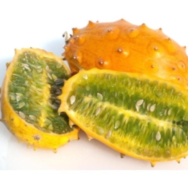 キワノフルーツ ツノメロン ツノニガウリ 高級フルーツ 3個(約1kg) 食品/飲料/酒の食品(フルーツ)の商品写真