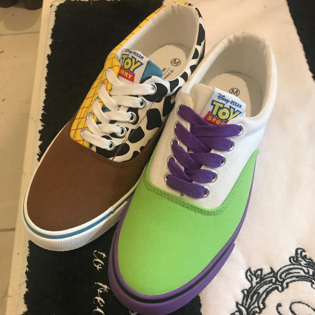 Disney(ディズニー)のトイストーリー ウッディー&バズ スニーカー レディースの靴/シューズ(スニーカー)の商品写真