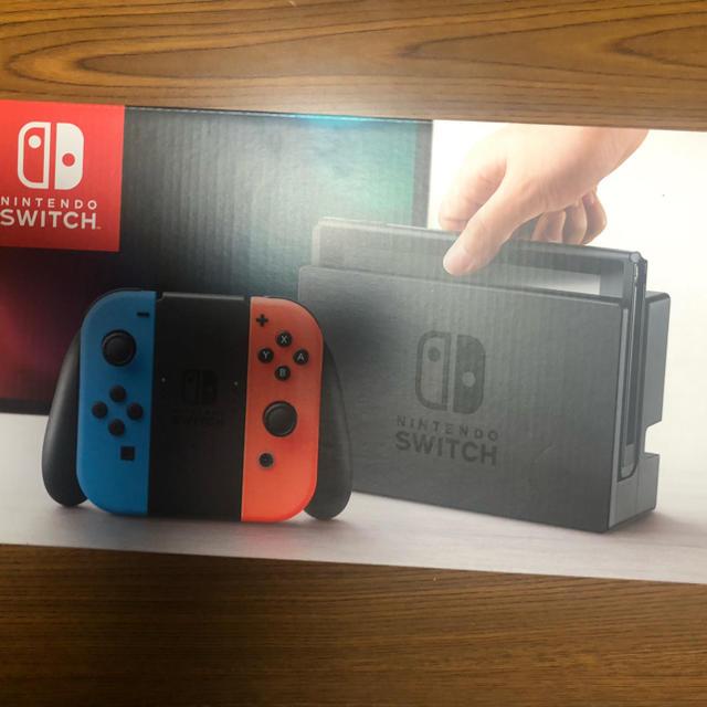 Nintendo Switch(ニンテンドースイッチ)の任天堂スイッチ本体 エンタメ/ホビーのゲームソフト/ゲーム機本体(家庭用ゲーム機本体)の商品写真