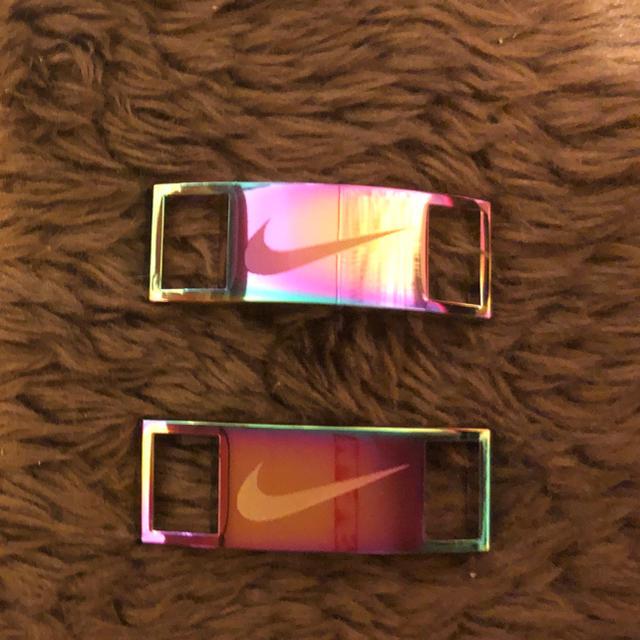 NIKE(ナイキ)のナイキ原宿限定 NIKE デュブレ シューレースプレート 虹色 メンズの靴/シューズ(スニーカー)の商品写真