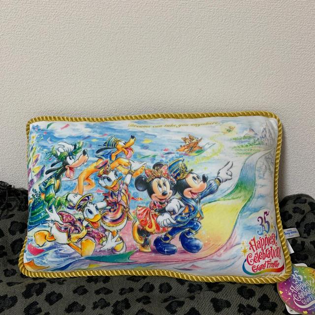 Disney(ディズニー)のディズニー35周年クッション インテリア/住まい/日用品のインテリア小物(クッション)の商品写真