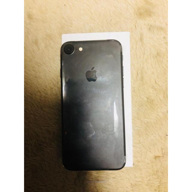 Apple(アップル)のiPhone7ブラック スマホ/家電/カメラのスマートフォン/携帯電話(スマートフォン本体)の商品写真