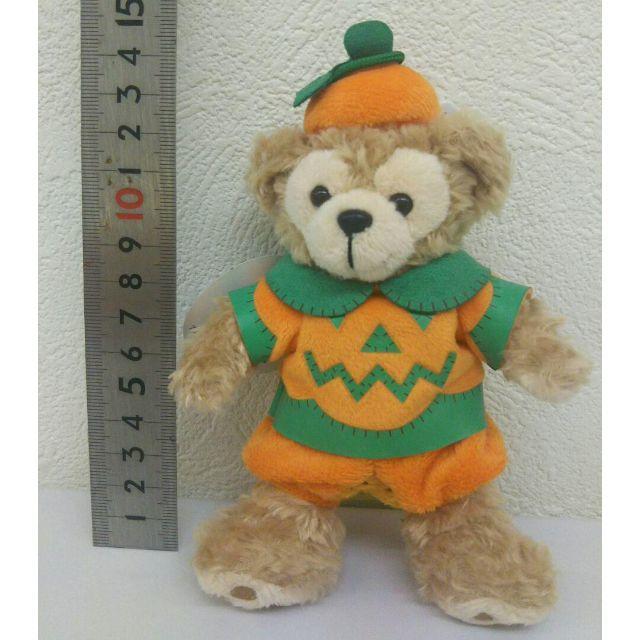 ダッフィー ぬいぐるみバッジ  ディズニー ハロウィン ぬいば エンタメ/ホビーのおもちゃ/ぬいぐるみ(キャラクターグッズ)の商品写真