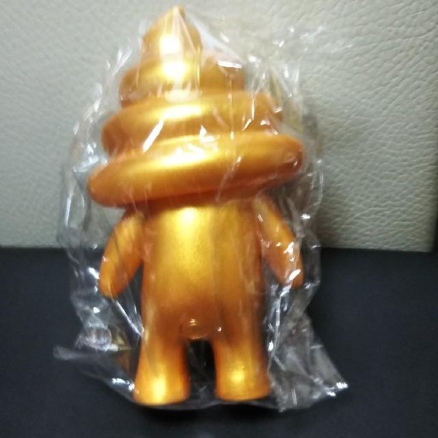 うんちくん・マスコット!(ゴールド) エンタメ/ホビーのおもちゃ/ぬいぐるみ(キャラクターグッズ)の商品写真