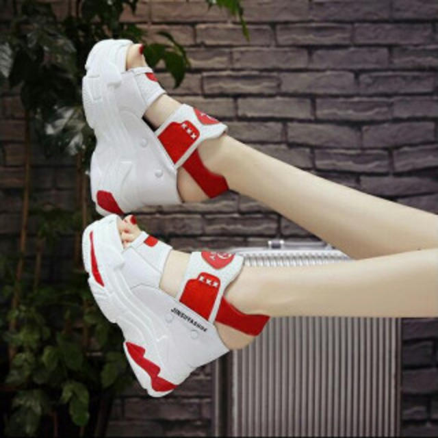 厚底スニーカーサンダル スニーカー スポサン 美脚 レディース 白×赤カラー レディースの靴/シューズ(サンダル)の商品写真