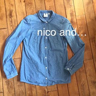 ニコアンド(niko and...)のnico and…  美品  デニムブラウス M〜Lサイズ 送料無料 (シャツ/ブラウス(長袖/七分))