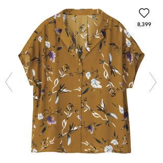 ジーユー(GU)のGU 花柄シャツ(シャツ/ブラウス(半袖/袖なし))