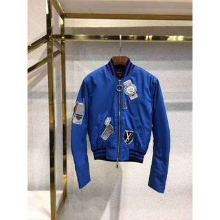 ルイヴィトン(LOUIS VUITTON)の19SS 新作 ルイヴィトン バッジ刺繍フードジャケット(パーカー)