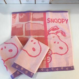 スヌーピー(SNOOPY)の【新品】スヌーピー  ハンドタオル 3枚セット(タオル/バス用品)