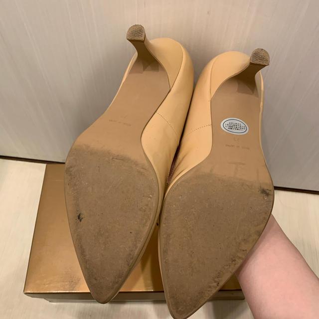 DIANA(ダイアナ)のVIVA ANGELINA エナメルパンプス ベージュ 23㎝ レディースの靴/シューズ(ハイヒール/パンプス)の商品写真