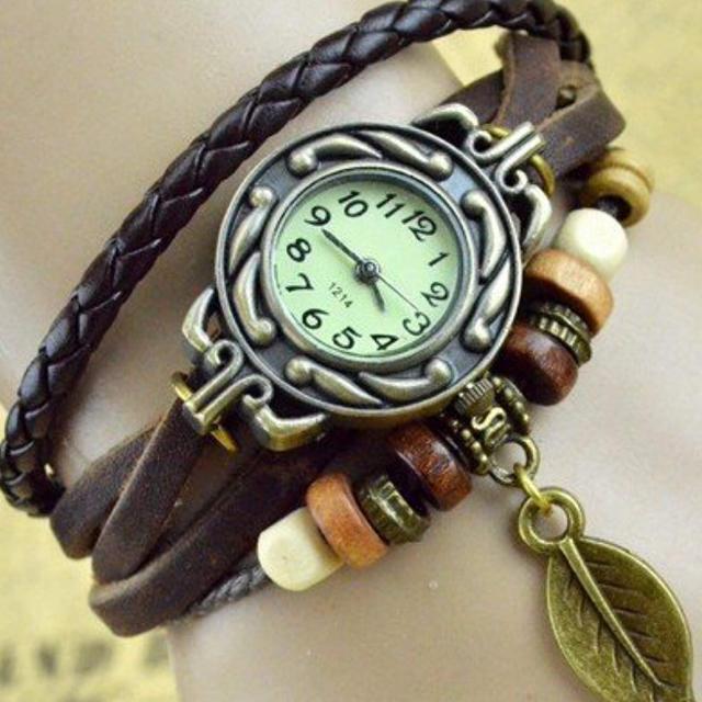 【定価 6980円】おしゃれ、リーフの時計の通販 by しまだンち|ラクマ