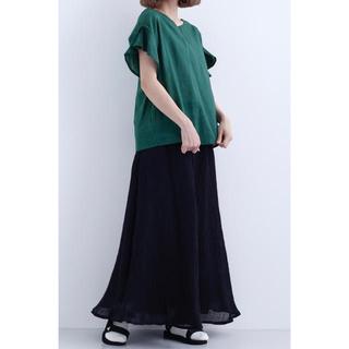 メルロー(merlot)のメルロー コットンリネンのフレア袖ブラウス 新品 緑(シャツ/ブラウス(半袖/袖なし))