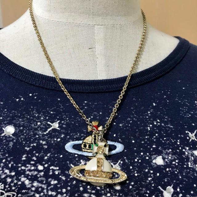Vivienne Westwood(ヴィヴィアンウエストウッド)のかにゃ様専用☆サマセット ホワイト オーブ ネックレス レディースのアクセサリー(ネックレス)の商品写真