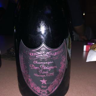 ドンペリニヨン(Dom Pérignon)のピンドン(シャンパン/スパークリングワイン)