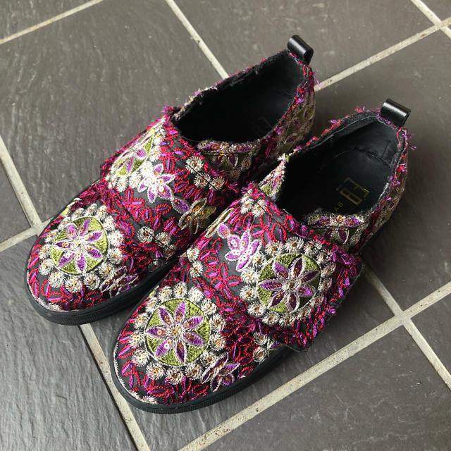 BEAUTY&YOUTH UNITED ARROWS(ビューティアンドユースユナイテッドアローズ)のBY MIISTA 刺繍シューズ レディースの靴/シューズ(スニーカー)の商品写真