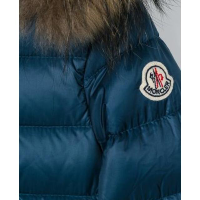 MONCLER(モンクレール)の新品未使用モンクレールSOLAIREリアルファー付ダウンジャケット キッズ/ベビー/マタニティのキッズ服 女の子用(90cm~)(ジャケット/上着)の商品写真