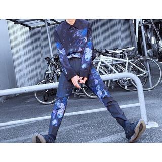 LAD MUSICIAN - 【人気完売品】LAD MUSICIAN 青薔薇 花柄 スリムスラックス
