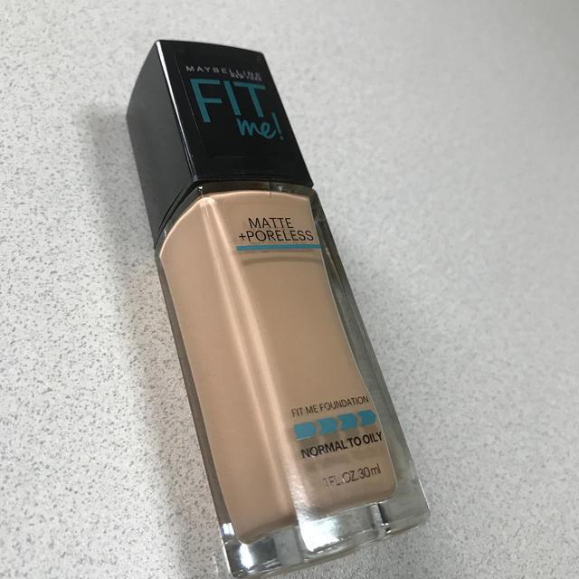 MAYBELLINE(メイベリン)のメイベリン フィットミーリキッドファンデーション120 コスメ/美容のベースメイク/化粧品(ファンデーション)の商品写真