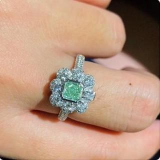 GIA♡Flowers F.L.Yellow-Greenダイヤモンドリング(リング(指輪))