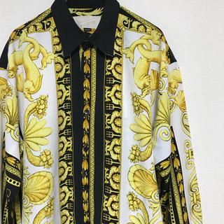 VERSACE - 最終値下げ 90s ヴェルサーチデザイン ヴィンテージシャツ 白黒 総柄