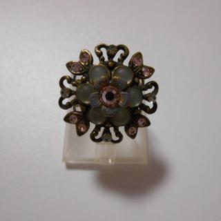 ミハエルネグリンのグレーすりガラス×ピンクジャスミンリング(リング(指輪))