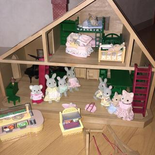 エポック(EPOCH)のヴィンテージ シルバニアファミリー 大きなお家 コレクター(ぬいぐるみ/人形)