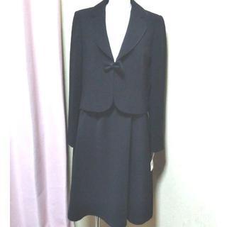 ソワール(SOIR)の新品 13号 大きいサイズ 定価7万円 高級 東京ソワール スーツ(スーツ)